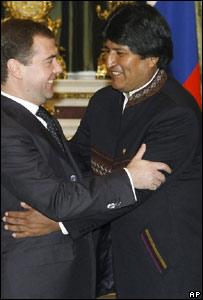 Los presidentes de Bolivia, Evo Morales, y de Rusia,  Dimitri Medvedev