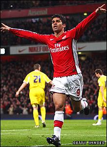 Eduardo celebrates Arsenal's opener