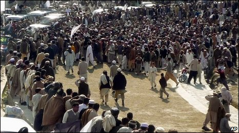 Crowd in Swat welcomes Sufi Mohammad