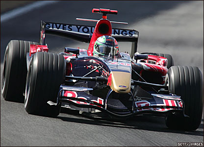 Vitantonio Liuzzi drives the 2006 Toro Rosso