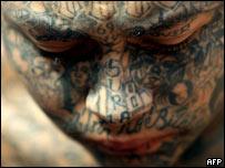 Miembro de la Mara 18 detenido en El Salvador (foto de archivo)