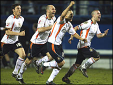 Luton celebrate getting to Wembley