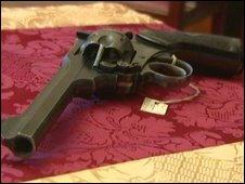 Captain Hugh Sayres's revolver