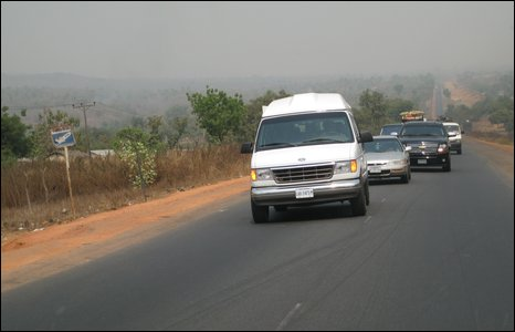 View of Chinua Achebe's convoy en route to Owerri