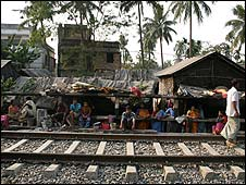 Slum near Birati train station