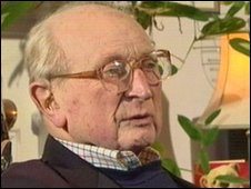 Cecil Dunlop now aged 92
