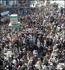 Supporters of Sufi Mohammad in Mingora, Swat