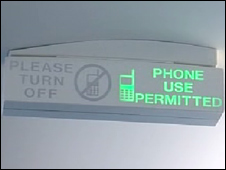 Phone permitted sign