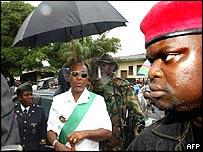 Charles Taylor (centro), ex presidente de Liberia