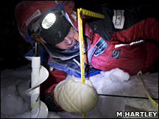 Drilling into the ice (Martin Hartley)