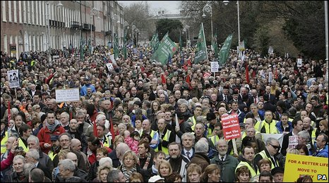 Thousands of people protest in Dublin