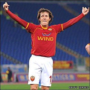 AS Roma midfielder Rodrigo Taddei celebrates