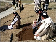 Supporters of pro-Taleban cleric Sufi Muhammad pray in Mingora, the capital of Pakistan's Swat valley, 21 February 2008