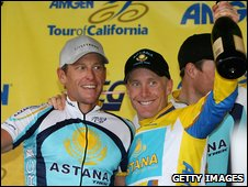 Lance Armstrong with Levi Leipheimer (left)