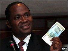 Zimbabwe reserve bank governor Gideon Gono