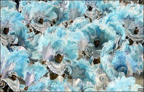 Beija-Flor samba school dancers