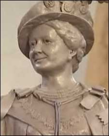 Statue of the Queen Mother