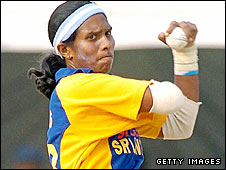 Sri Lanka's Suwini de Alwis bowling against India