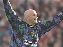 Bryan Gunn during his days as a Norwich City goalkeeper