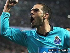 Porto hero Lisandro