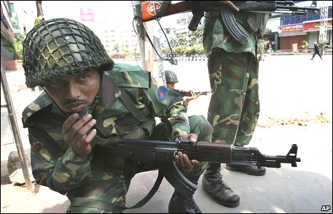 Bangladesh troops take position in Dhaka