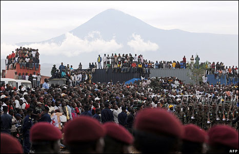 Crowds watch ceremony in Goma