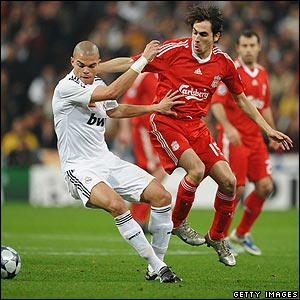 Real Madrid's Pepe battles with Yossi Benayoun