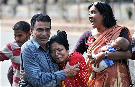 Bangladeshi hostages after their release from the BDR headquarters in Dhaka 26 February 2009