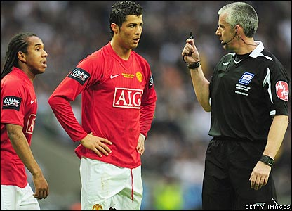 Referee Foy has words with Ronaldo