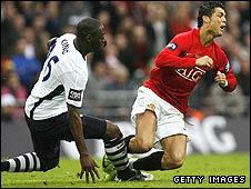 Ledley King challenges Cristiano Ronaldo