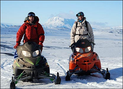 Ed and Graham use skidoos to travel