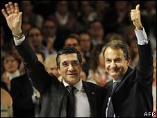 Patxi Lopez (left) and Jose Luis Rodriguez Zapatero (26 February 2009)