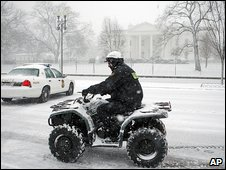 Snow outside the White House