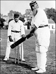 English cricketer WG Grace (1905)