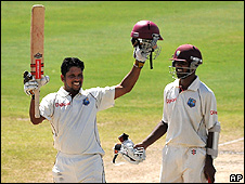 Ramnaresh Sarwan (left) and Denesh Ramdin