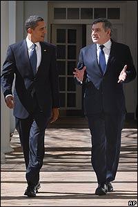 Barack Obama, presidente de EE.UU. (izq.) y Gordon Brown, primer ministro británico (der.)
