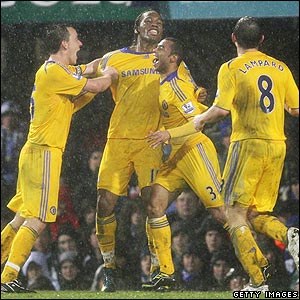 Drogba celebrates scoring Chelsea's winner