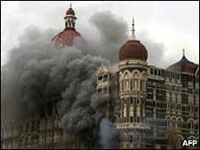 Taj Mahal hotel in flames during Mumbai attacks Dec 2008