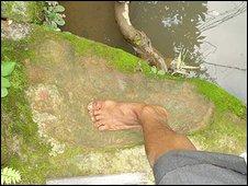 Fosilizado de impresión del pie en el sur de las colinas de Garo