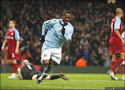 Shaun Wright-Phillips celebrates scoring City's second