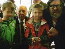 Arthur Scargill with his two grandsons, and his friend Ricky Tomlinson