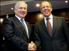 Benjamin Netanyahu (L) and Sergei Lavrov in Jerusalem 16 February