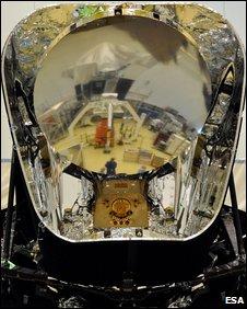 Herschel reflected in Planck (Esa)