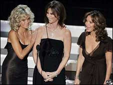 Fawcett with Kate Jackson (centre) and Jaclyn Smith at the 2006 Emmys