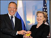 Sergei Lavrov y Hillary Clinton