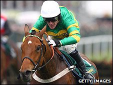 McCoy rode Binocular to victory in the Novices' Hurdle at Aintree last year