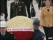 US Secretary of State Hillary Clinton lays a wreath at the mausoleum of modern Turkey's secular founder Kemal Ataturk in Ankara on 7 March 2009