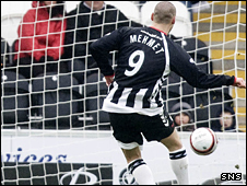 Billy Mehmet scores for St Mirren