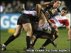 Brave Crusaders defending kept out Super League giant St Helens