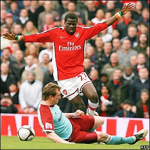 Caldwell tackles Eboue
